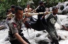 Flash flood, traffic accident take toll on Indonesia