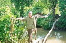 Veteran devotes life to building foot bridges
