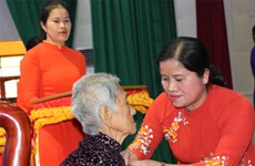 "Binh Phuoc: 18 women awarded ""Heroic Vietnamese Mother"" title"