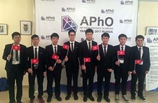 Vietnamese students shine at Asian Physics Olympiad 2017