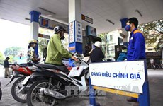 Petrol prices continue to decrease