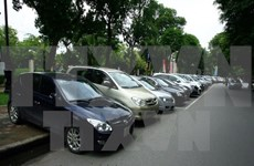 Auto imports drop in April
