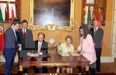 Vietnam, Portugal discuss ways to enhance relations