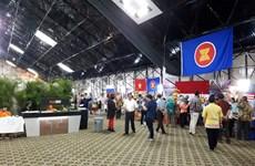 Vietnam joins charity bazaar in Venezuela