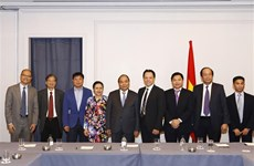 PM meets Vietnamese delegation to UN, Vietnamese businesses
