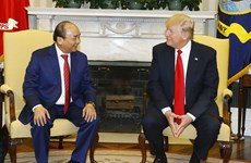 PM Phuc, President Trump talk ways to advance Vietnam-US ties