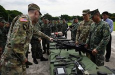 US provides new weapons for Philippines