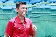 Vietnam representative enters Singapore tennis quarter-finals