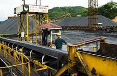 Vinacomin requested to sell coal stockpile, cut rates