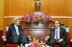 Kerry wants to help HCM City attract foreign investment