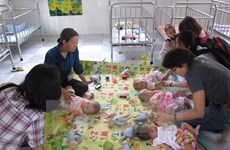 Yen Bai works to care for HIV/AIDS-affected children