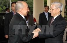 Vietnamese, Cambodian leaders exchange congratulations on diplomatic ties