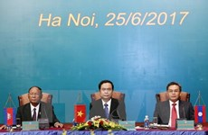 Vietnam, Laos, Cambodia fronts ink agreement at third conference