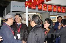 Vietnam attends international trade fair in South Africa