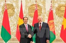President Tran Dai Quang holds talks with President Lukashenko
