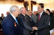 President meets Belarusian friendship association members, veterans