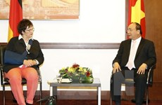 German federal economic minister supports stronger investment in Vietnam