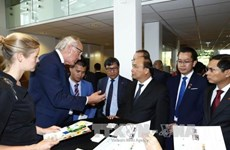 PM urges Dutch university to step up ties with Vietnam