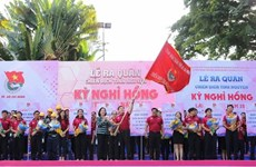 HCM City volunteers take action on Pink Holiday Campaign