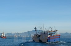 Injured Chinese sailor brought to mainland for treatment