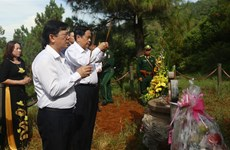 VFF leader pays respect on War Invalids' and Martyrs' Day