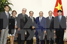 PM Nguyen Xuan Phuc greets ASEAN Secretary-General