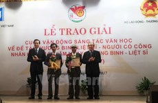 Literary works honouring Vietnamese war heroes awarded