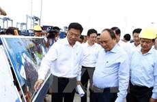 PM visits Cai Mep int'l port in Ba Ria - Vung Tau