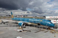Vietnam Airlines delays flights from/to China due to storm