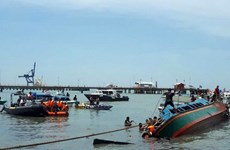 Indonesia: At least eight people killed in boat capsize