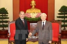 Vietnam, Laos strengthen coordination to promote renovation