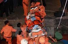Vietnamese maritime search, rescue team saves unconscious sailors