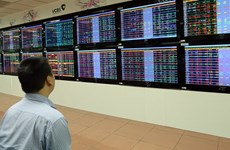 Vietnam shares tumble on global tension