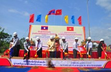 Work starts on bridge at Lao Bao-Densavan border gate
