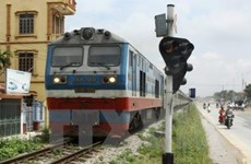 International container train starts trial run
