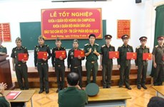 30 Lao military officers receive training in Hai Duong
