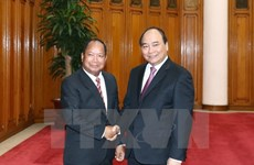 PM calls for stronger security ties with Laos