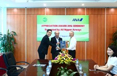 Vietnam Airlines subsidiary receives international award