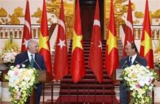 Vietnamese, Turkish PMs seek ways to beef up bilateral trade ties
