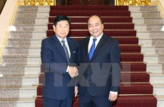 PM Nguyen Xuan Phuc hosts former RoK city governor