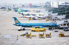 Airlines resume flights to airports in central region