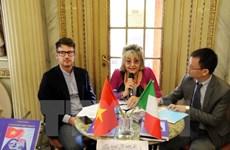 Italian scholar debuts book about Vietnam's island sovereignty