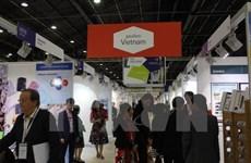 Vietnam attends international garment fair in France