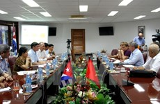 Vietnam, Cuba's trade unions strengthen traditional friendship