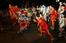 Hanoi lights up as mid-autumn festival arrives