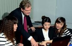 Expats in Vietnam earn 88,000 USD per year