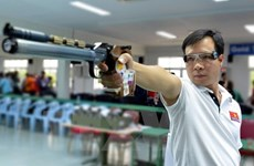 Hoang Xuan Vinh still tops men's 10m air pistol world rankings