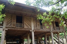 Community tourism brings changes to mountainous area
