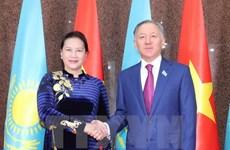 Top Vietnamese, Kazakhstani legislators hold talks