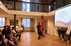 Vietnamese language course opens in the Netherlands